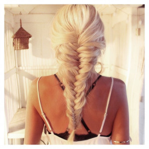 astuces-pour-transformer-vos-cheveux-gras-en-chevelure-de-reve-2